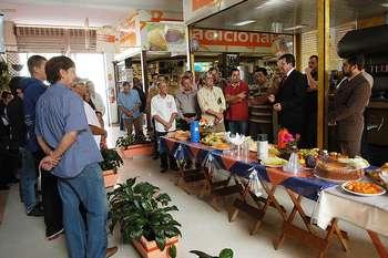Prefeito participa de café da manhã com comerciantes do Mercado Municipal