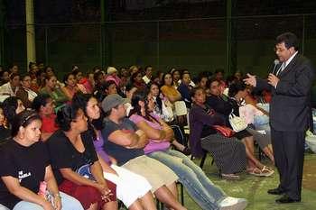 Reunião do Bolsa Família reúne famílias no Jardim Bonança, em Osasco