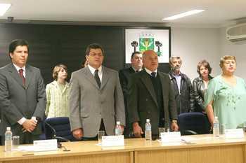 Prefeito prestigia concessão de título de cidadã osasquense