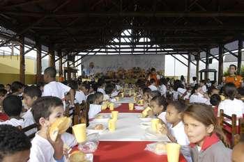 Alunos da rede municipal de ensino visitam a Ecolândia