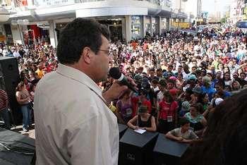 """Prefeito Emidio marca presença na """"Marcha para Jesus"""""""