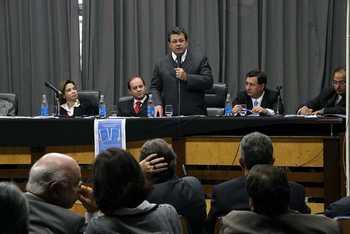 Prefeito Emidio prestigia lançamento do Guia Sebrae e participa de debate