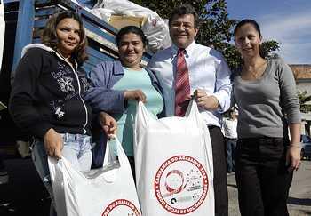 Fundo Social de Solidariedade faz entrega de kits no Jardim Santa Rita