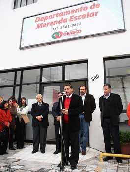 Prefeito inaugura novo prédio do Departamento de Merenda Escolar