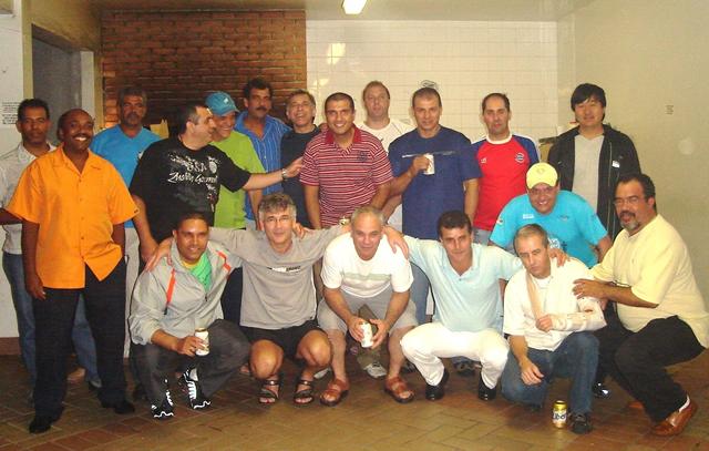 acm-osasco-campeoes-acemiadas-2008-comemoracao.jpg