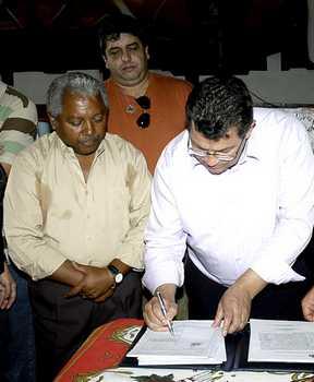 Prefeitura regulariza loteamento Terra e Nossa